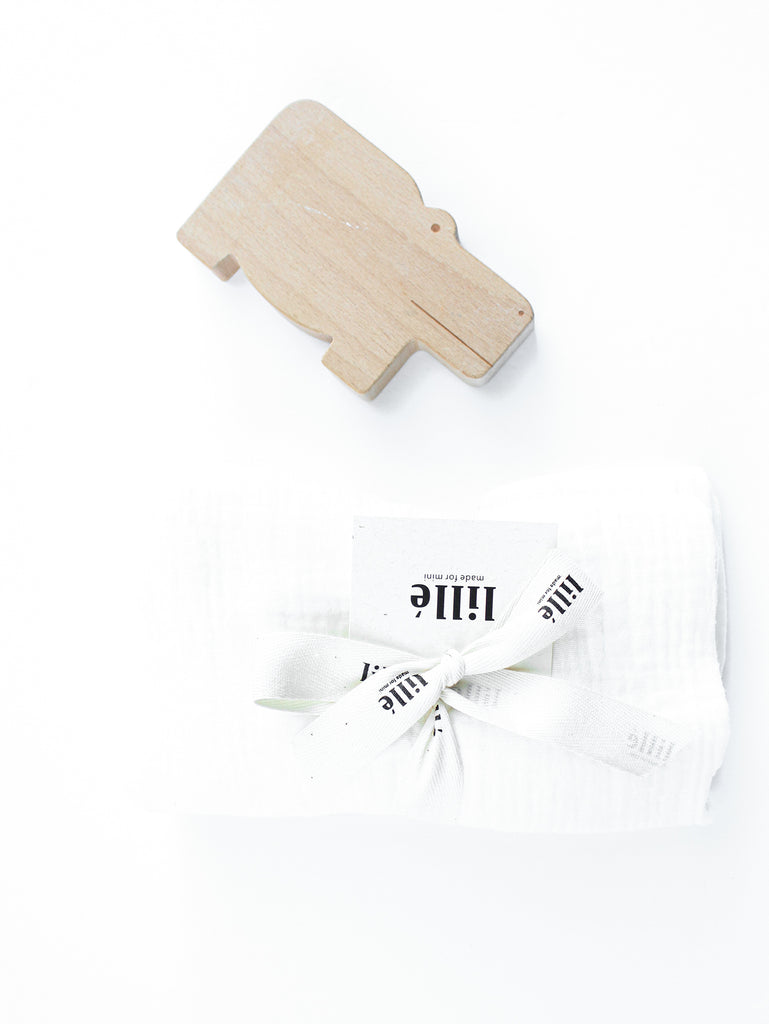 usa Lillé made for mini muslin changing pad cream wooden toy palmandmilk