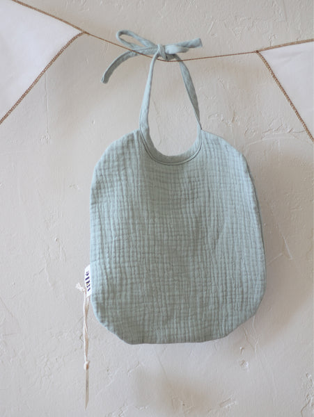 Lille made for mini usa california San Francisco palmandmilk family concept store style organic design kids neutral colors bibs food sage muslin