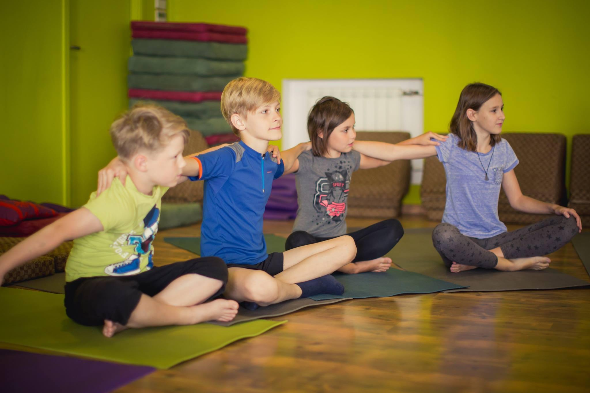 Australia/NZ/SE Asia - Level 1, 4 Day Live Stream Kids Yoga Teacher Training - RainbowYogaTraining