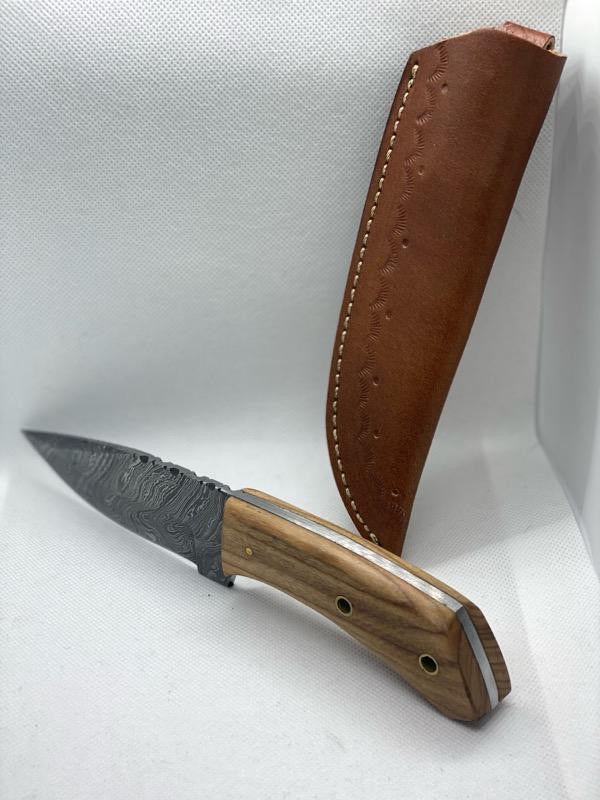 Rosewood Drop Point Hunter Blade in Damascus steel.