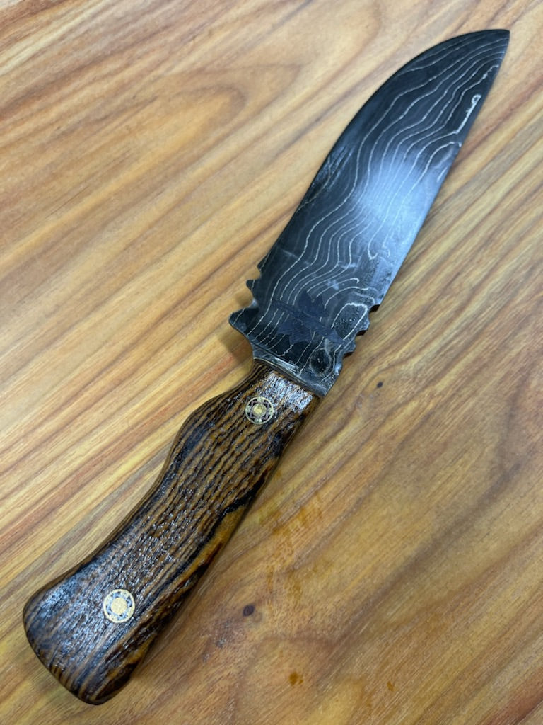Damascus steel fighter style knife