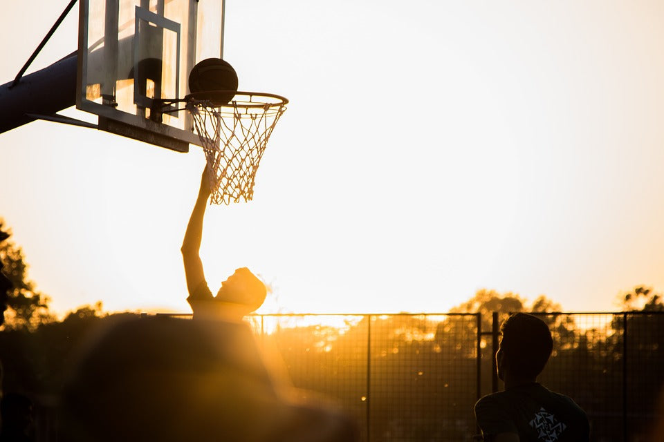 WHAT ARE SOME OF THE PHYSICAL BENEFITS OF PLAYING BASKETBALL?