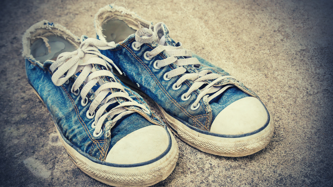 How To Clean Your Shoes & Shoelaces