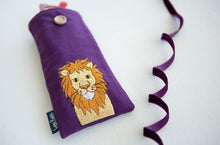 Load image into Gallery viewer, Lion Glasses Case