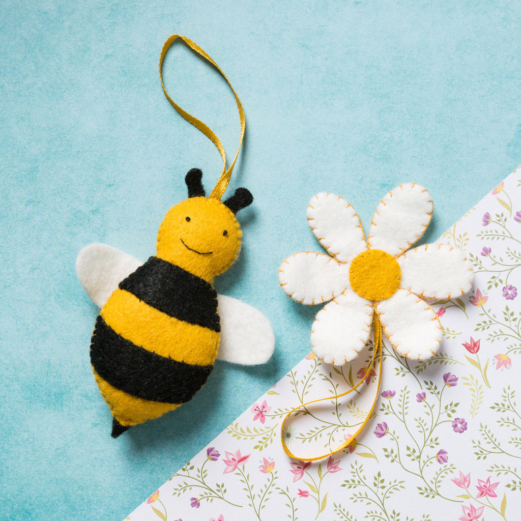 Everything you need to make one buzzy bee and a pretty flower is in this gorgeous craft kit from Corinne Lapierre.