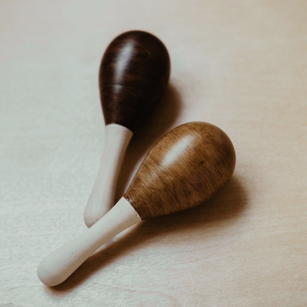 Mini maracas stained