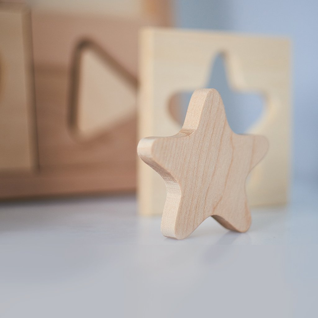 Kubi Dubi wooden geometric shape sorting puzzle, star piece