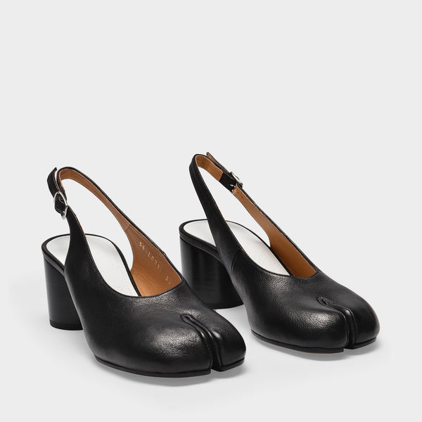 Tabi Pumps in Black Leather