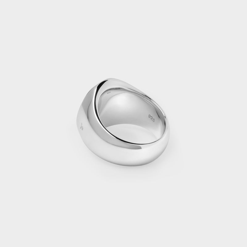 Oval Ring in Silver and Black Mother of Pearl