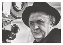 Load image into Gallery viewer, Carte-postale Federico Fellini