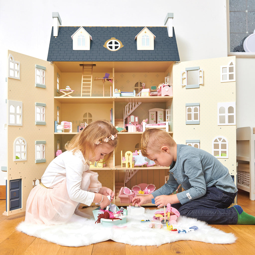 Dolls Houses, Prams & Accessories