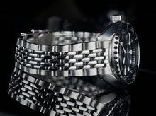 "Load image into Gallery viewer, Beads of Rice Bracelet for the ""Baby Turtle"" Diver"
