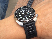 Load image into Gallery viewer, Rubber Chocolate Bar Strap for all Seiko Divers (19/20/22mm)