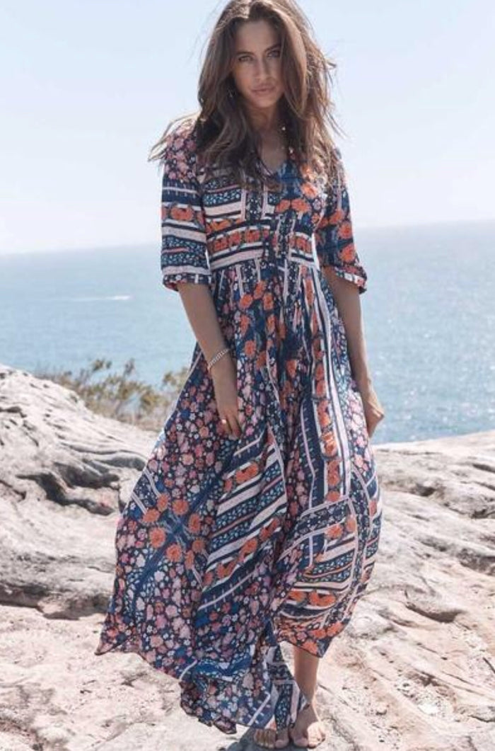 Jaase Holiday Print Indiana Maxi Dress