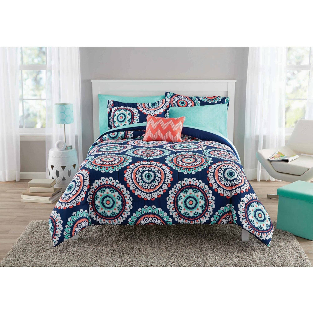 Navy Blue Medallion 8-Piece Bed in a Bag with BONUS Decor Pillow