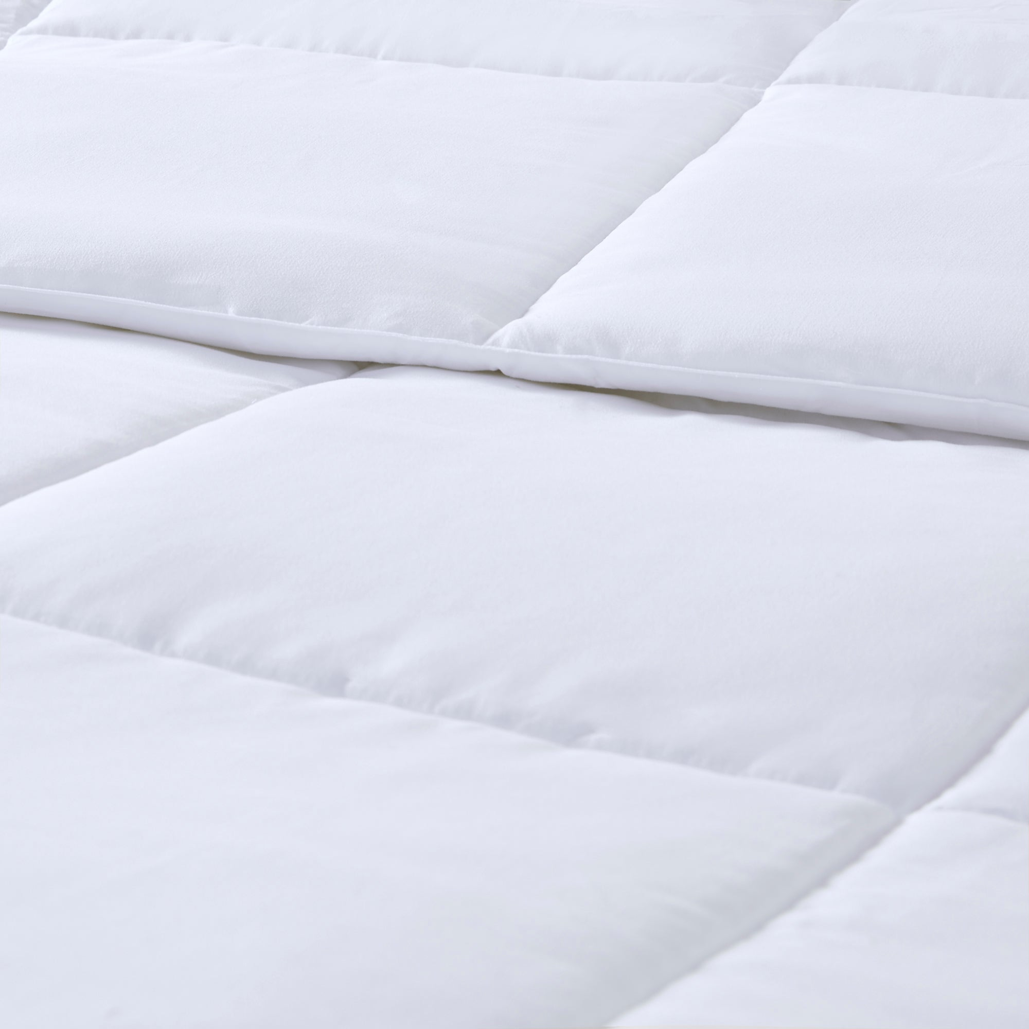 All-Season Hypoallergenic Down Alternative Comforter