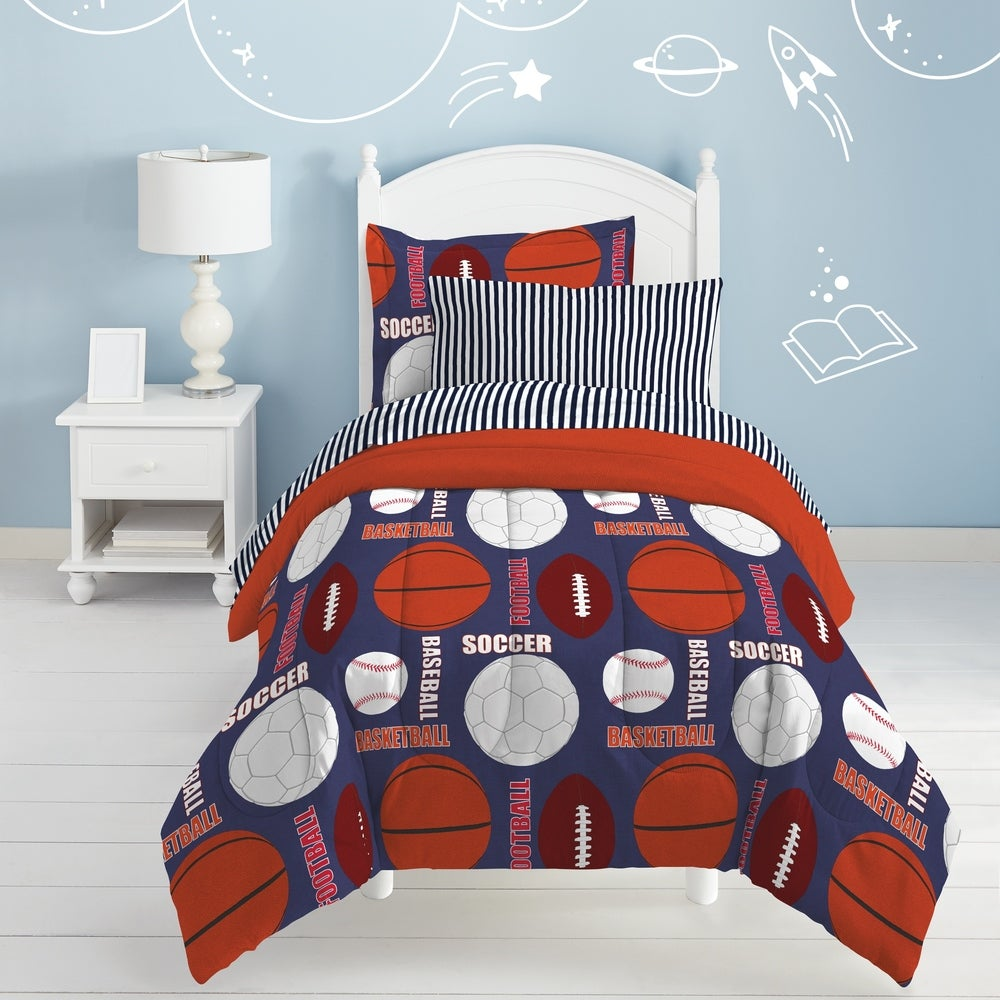 Dream Factory All Sports 7-Piece Bed in a Bag with Sheet Set Navy Blue