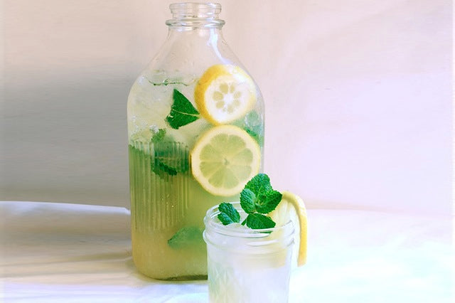 Matcha-mint iced tea