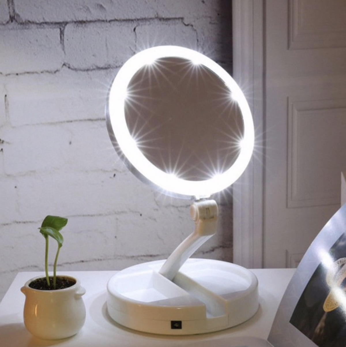 Portable 10X Magnification LED Mirror
