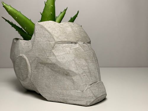 Marvel - Iron Man  -  Concrete Helmet Planter - Face Planter Pot - Mark 7 - The Avengers - betonven