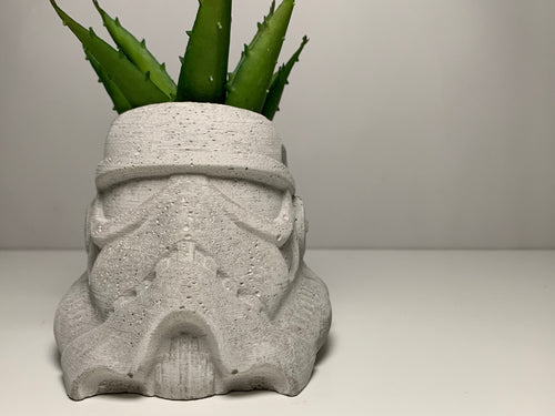 Stormtrooper Concrete Planter - Concrete Plant Pot -  Star Wars Gift - Indoor Plant Pot - Figurines Planters - Home Decor - betonven