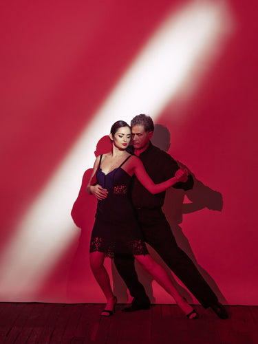 Argentine Tango Pause Red Background- Shadow position