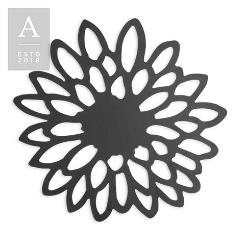 DIE-CUT ZINNIA BLACK CHARGER MAT
