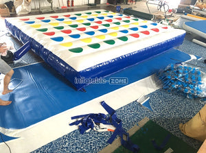 Play inflatable twister game,inflatable twister
