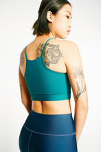 Load image into Gallery viewer, ro/an moringa teal back shot with navy matcha