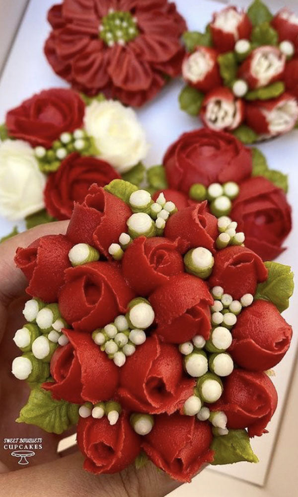 Virtual Live Workshops | Red Rose Bouquet with Baby's Breath | www.sweetbouquetscupcakes.com