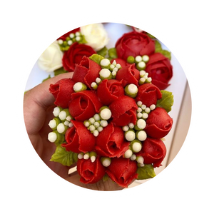Rose bouquet from our virtual workshops | Virtual Workshops | www.SweetBouquetsCupcakes.com
