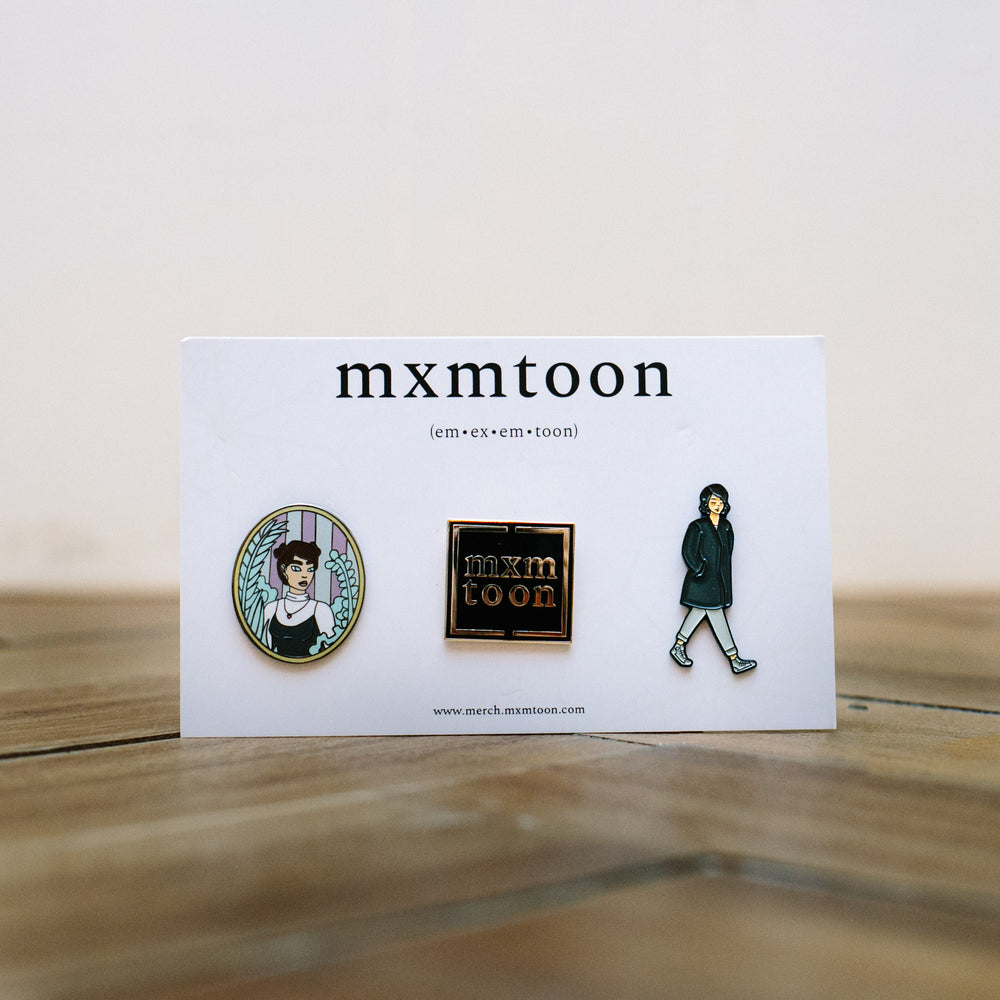 mxmtoon Pin Set