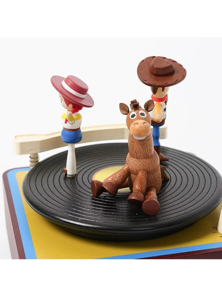 bullseye woody and jessie on phonograph