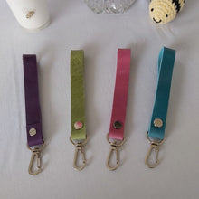 Load image into Gallery viewer, Green Leather Keyring - Narrow