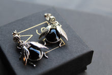 Load image into Gallery viewer, Marcasite Beetle Earring with Onyx