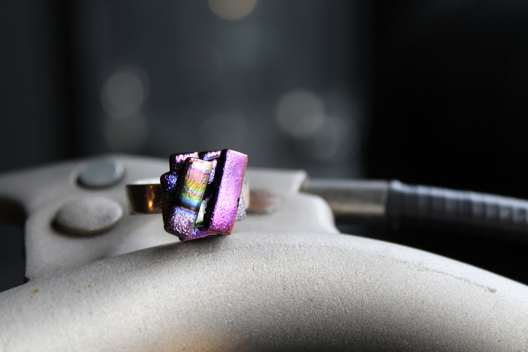 Adjustable Dichroic Glass Rings