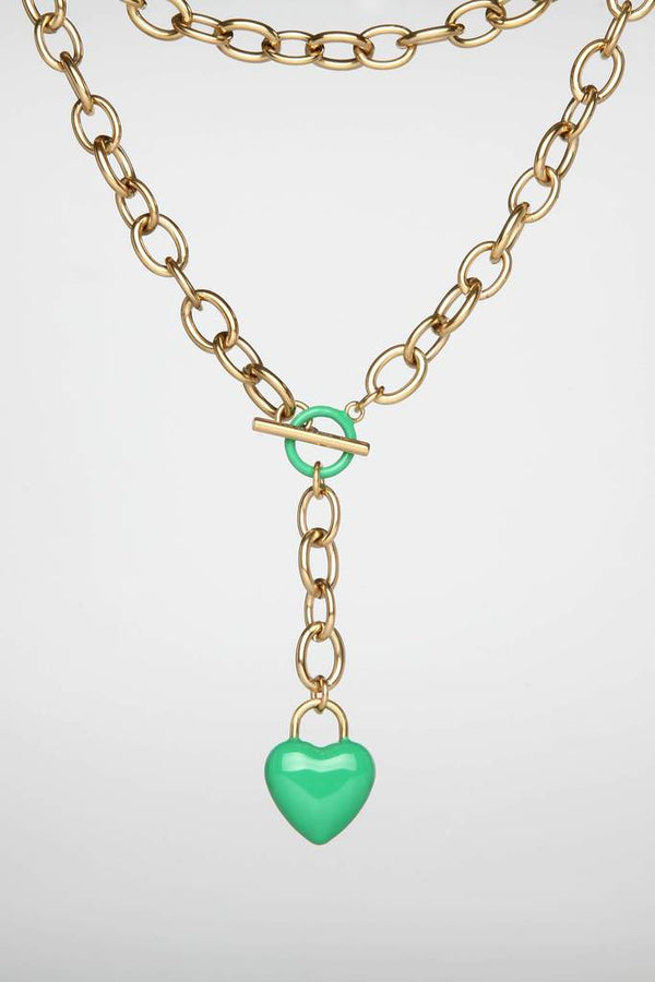The Kiss Necklace Green