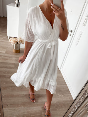 dress 'glam white'
