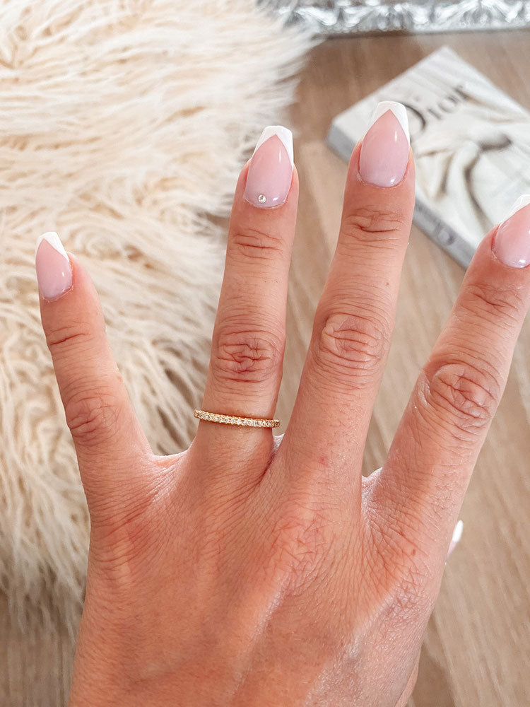 ring 'basic babe'