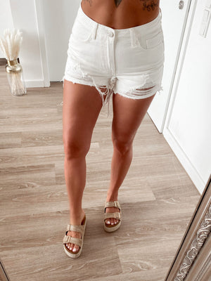shorts 'white girl'