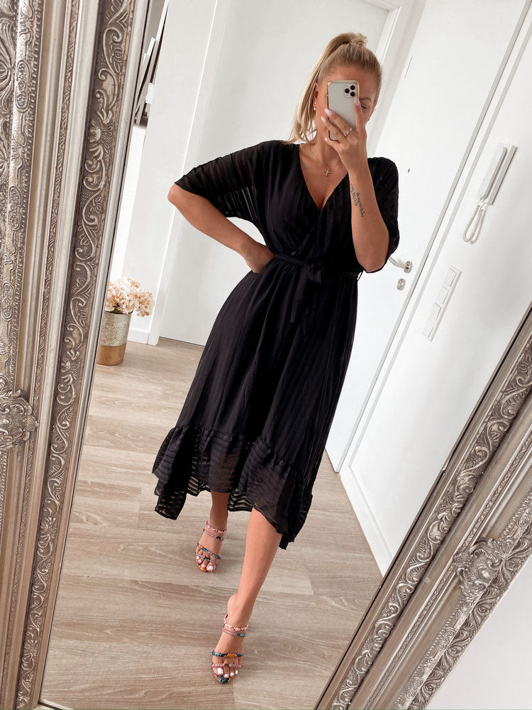 dress 'glam black'
