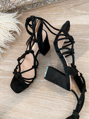 high heels 'elegance in black'