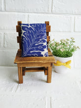 Load image into Gallery viewer, Navy floral