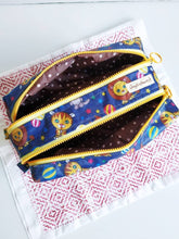 Load image into Gallery viewer, Circus animals double zippers waterproof travel pouch purse