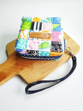 Load image into Gallery viewer, Square patchwork Sanitary Pad zip pouch
