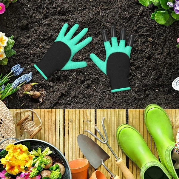 Gardening Gloves with Claws on right hand
