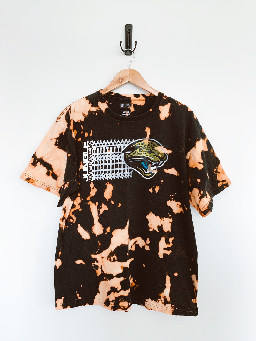 Jags Jungle Attack Echo Tee