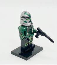 Load image into Gallery viewer, Commander Gree (CC-1004)-Clone Trooper Builder Mini Figure