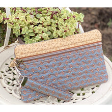 Load image into Gallery viewer, Quilted Ellie Clutch