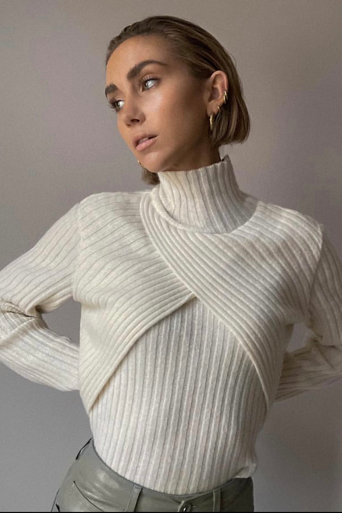 LISA OLSSON in SON KNIT